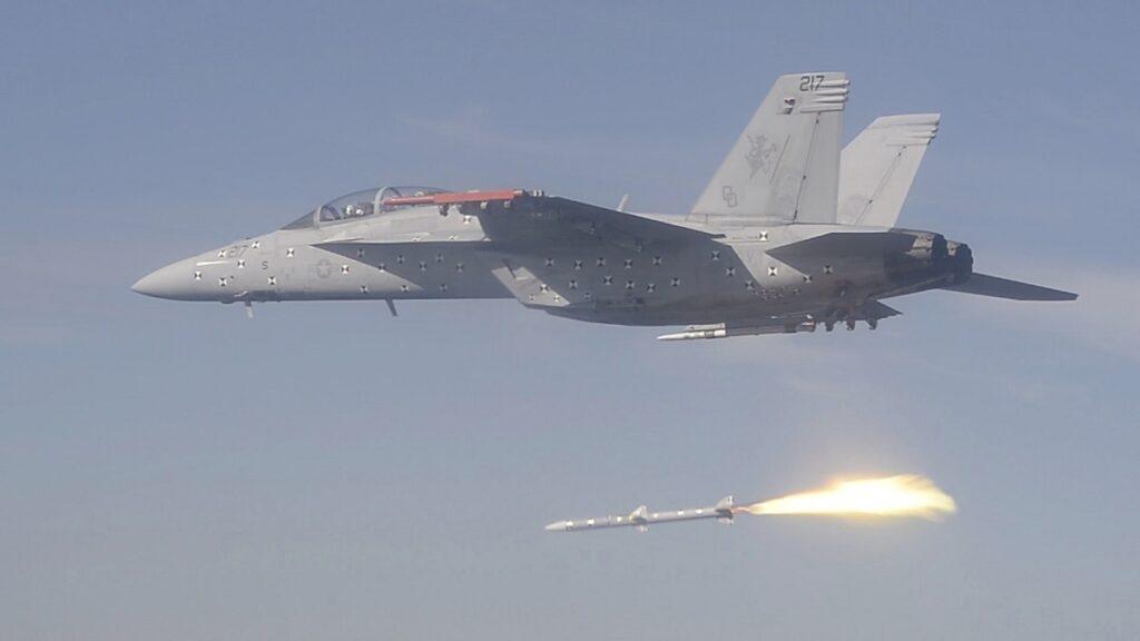 Super-Hornet-AIM-120D-SIP-3.jpg