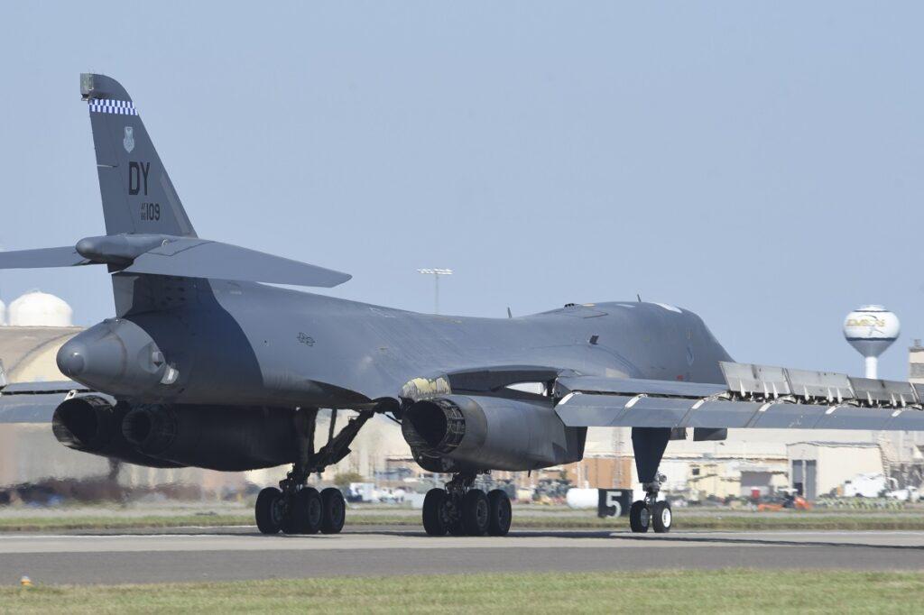 B-1B-Spectre.jpg