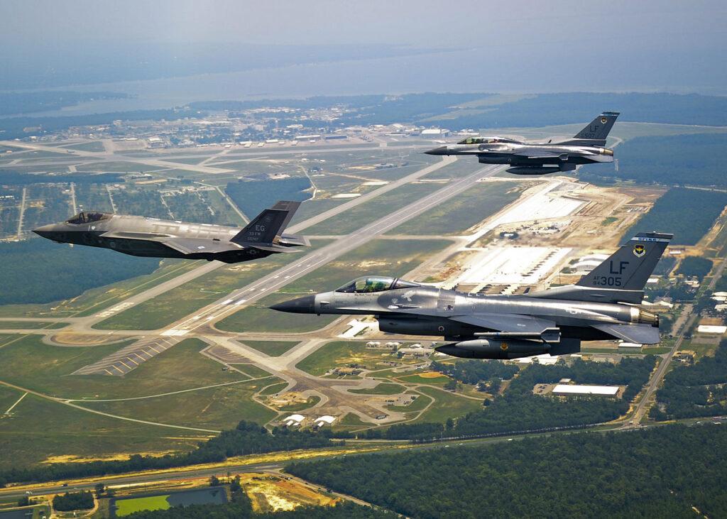 F-35A-F-16C-F-16D.jpg